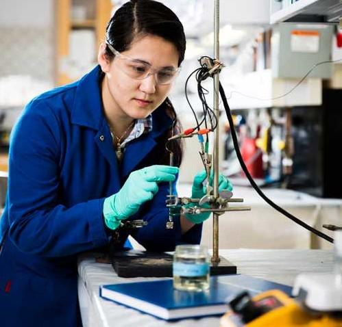 woman-brain-scientist-e1534270170470